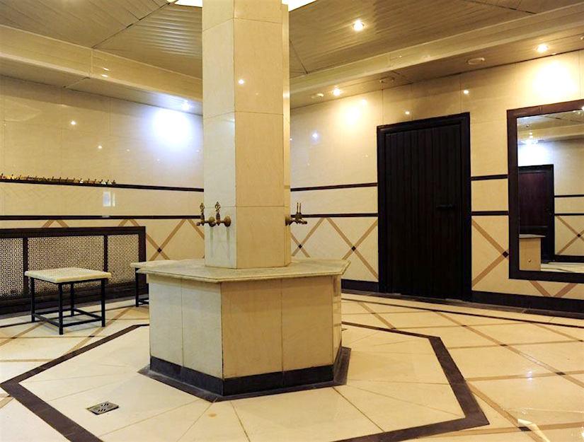 Общественная баня в бассейн банного комплекса «Ильинские Бани» отеля Вокруг Света