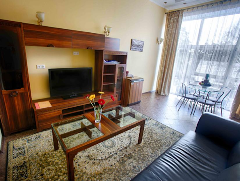 Люкс номер в гостиничном комплексе Вокруг Света